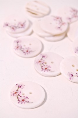40L Printed River Pearl Button - Spring Blossom Design