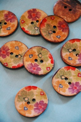 Summer Flowers Printed Coconut Button 48L
