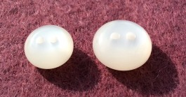 16-1016 White Pearlised Buttons Retail
