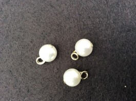 16-1017  Pearlised Button Limited Stock