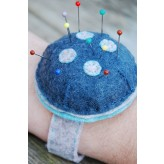 Wrist Pin Cushion Kit - Button