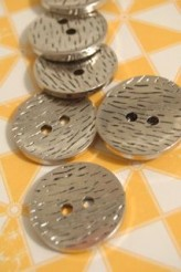 04-CTA1362 44L Silver Wood Effect Button