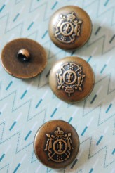 04-V4000 40L Oxy Brass Military Shank Button