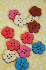 102-49871 20mm Coconut Flower Button