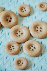 Imitation Wood Buttons x 1