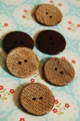 63-39751 40L Coconut Button
