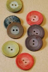 63-54261 36L Sprayed Shell Button