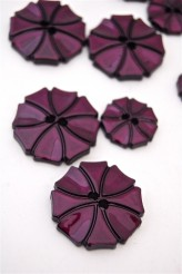 70-1572S  Plum Art Deco Flower Button x 1