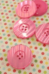 80L Large Pink Button x 1