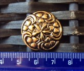 14-04071 40L Shiny Gold Decorative Shank Button x 1