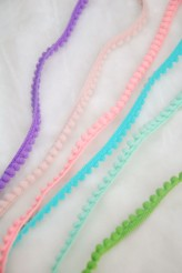 Pom Pom Trim 10mm x 36 yards (12-R850-10MM)