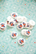 63-A1751 24L Bird Button x 1