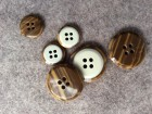 16-1010 Reversible Wood Effect Button