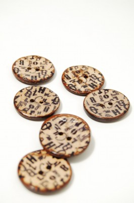 100-007 Letters Coconut Button x 1