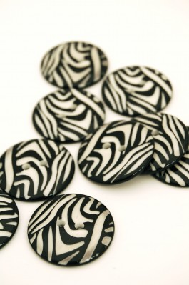 100-009 48L Zebra Button  x 1