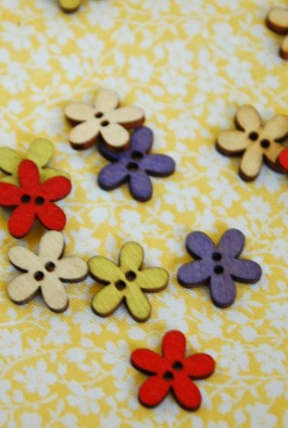 102-450005 15mm Wooden Flower Button