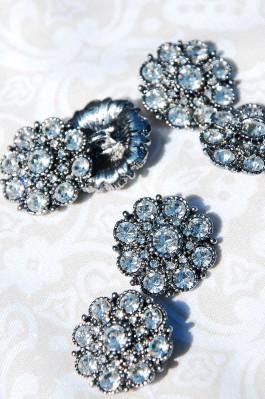 Diamante Flower Shank Button - 22mm x 1
