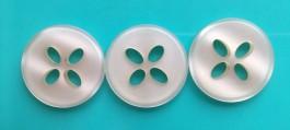 15-4124 Tear Drop Hole Pearl Button