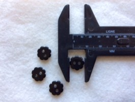 17-1050  Black Flower Button x 10   Limited Stock