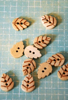 Wooden Leaf Buttons 28L x 5
