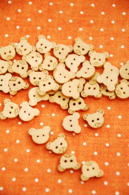 27-E2368 12mm Wooden Teddybear Buttons  x 5 VERY LIMITED STOCK