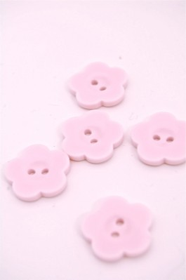 32L Pale Pink Flower Button