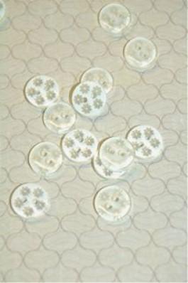 40-50612 20L White Daisy Button x 100pcs