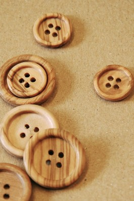 40-5502 wooden ring edged button x 5