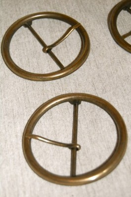 45-5076 60mm Antique Brass Round Buckle with Prong