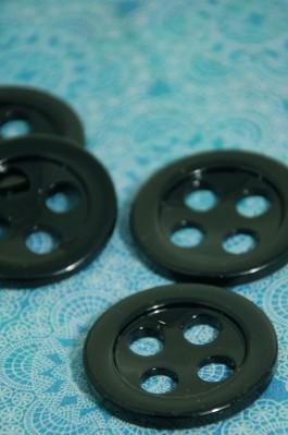 49-833-59 70L Big Holed Black Button