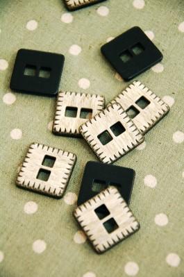 53-PA356-11144 48L Square Button x 1