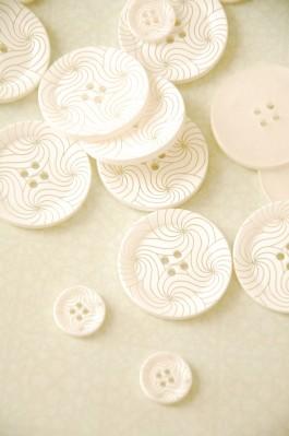 63-37561 White Swirls Button