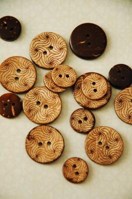 63-44561 Coconut Swirls Button