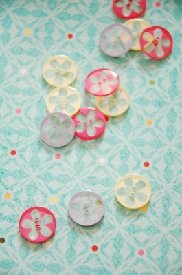 63-45561 24L Flower Button