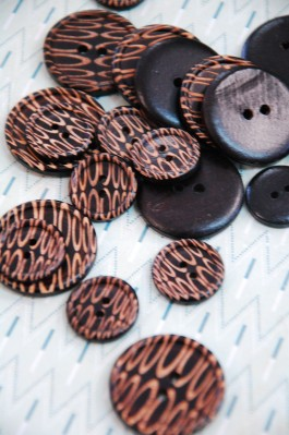 63-56461 Lasered Wooden Button x 1
