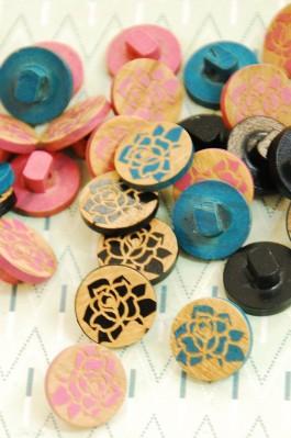 63-86361 24L Wooden Shank Buttons