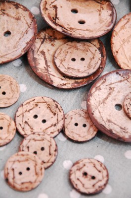 63-94361 Lasered Coconut Button x 1