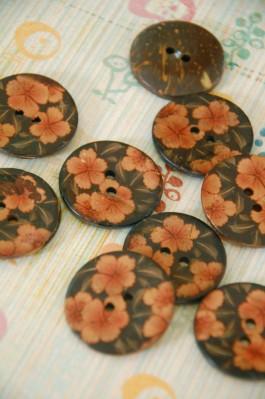 63-A6041 48L Floral Coconut Button