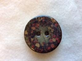63-H6263 64L Lacquered Coconut Button x 3