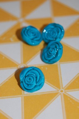 63-S2732 20L Turquoise Rose Shank Button x 1