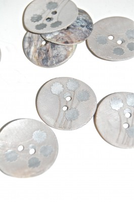 70-13107 36L Silver Sprayed Agoya