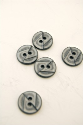 70-1975S 24L Grey Button x 1