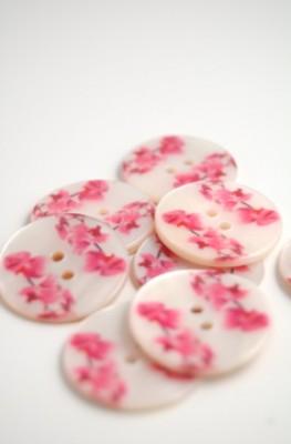 70-26859 40L Printed River Pearl Button X 1