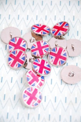 80-A217 32L Union Jack Button - metal and enamel  SALE!