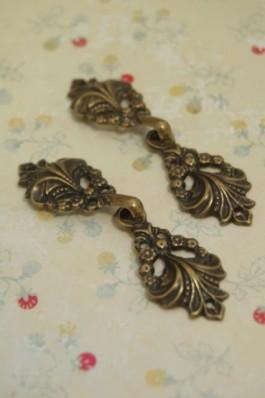 80-G258 Antique Brass Clasp