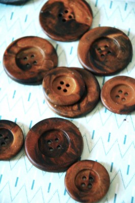 88-1820 Brown Mad Media Button