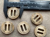 03-2134 Wood effect slotted button x 1