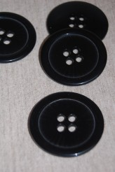 04-42940A 70L Black coat button