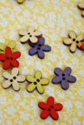 102-450005 15mm Wooden Flower Button