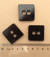 14-0416 64L Black Square Button